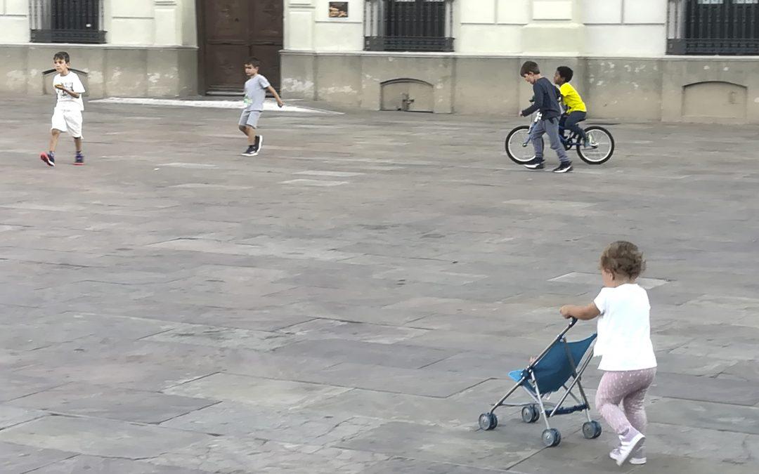 Entornos escolares seguros y saludables. Manifiesto movilidad activa